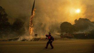 Etats-Unis: des incendies ravagent la Californie, plus de 3000 personnes évacuées