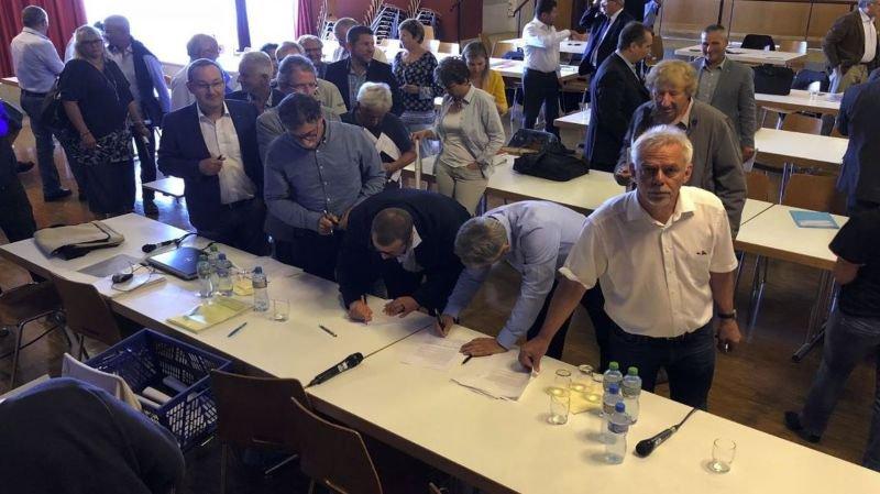 Fâchés et unis face aux pressions fiscales du canton, les syndics lancent un manifeste
