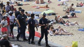 France: piégé par la marée, un jeune homme se noie dans le trou qu'il a creusé dans le sable