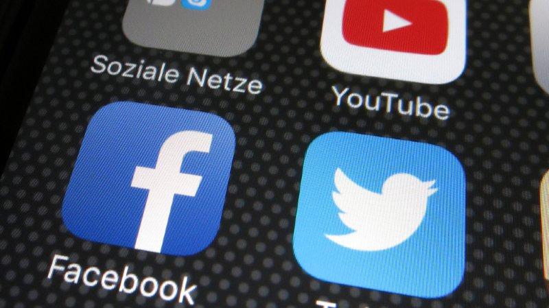 Réseaux sociaux: en un an, Facebook, Twitter, Snpachat ou Instagram ont perdu plus d'utilisateurs que la presse écrite