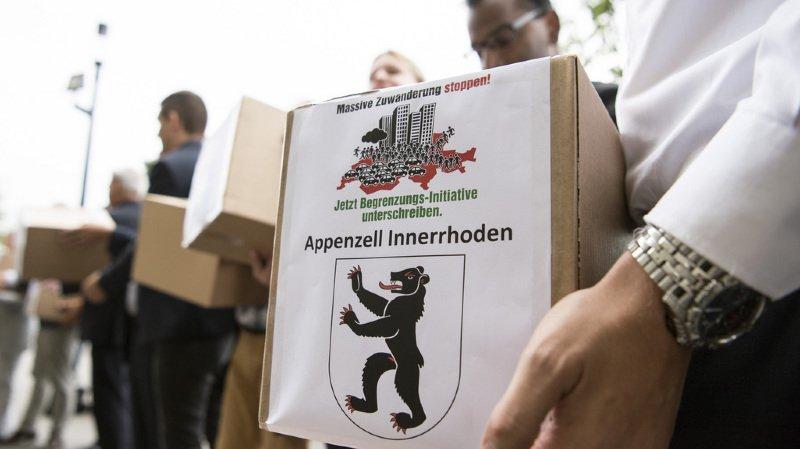 Immigration: l'initiative de l'UDC contre la libre circulation des personnes a abouti