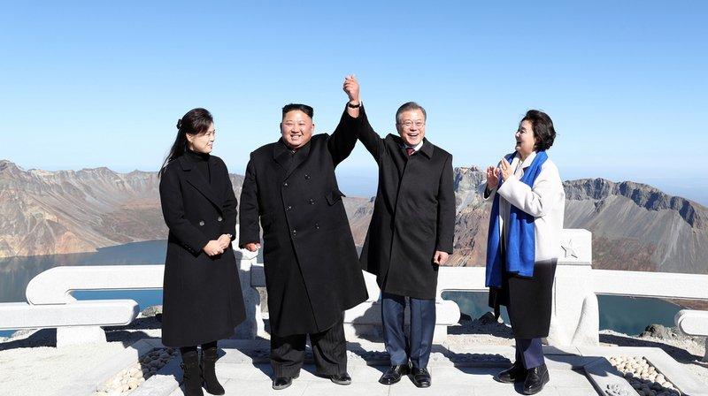 Corée: Pyongyang offre deux chiens de race au président sud-coréen