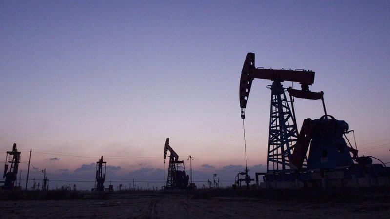 Energie: le pétrole bondit à son plus haut depuis 2014 à New York et Londres