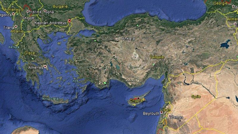 Le Suisse, qui cherchait à se rendre dans la ville syrienne d'Idleb, été arrêté au poste-frontière Kapitan-Andréevo, entre la Bulgarie et la Turquie.