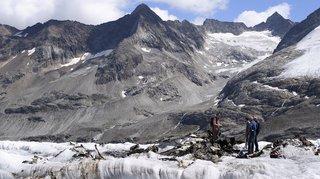 Oberland bernois: une partie de l'épave du Dakota récupérée sur le glacier du Gauli