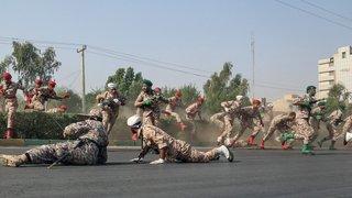 Iran: attaque sur un défilé