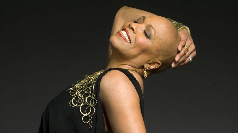 L'Américaine a vécu longtemps à Paris et a même publié un album de reprises des grands classiques de la chanson francophone.