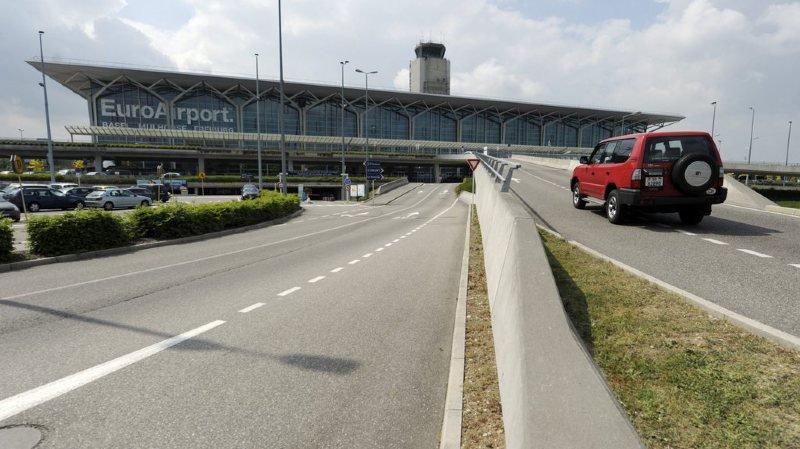 Aéroport de Bâle: on ne pourra plus déposer ses proches devant le terminal de l'EuroAirport