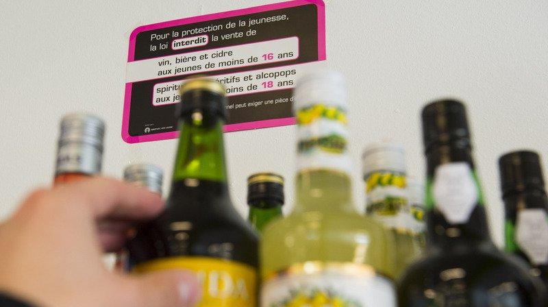 Santé: les Suisses boivent moins souvent, mais en plus grande quantité