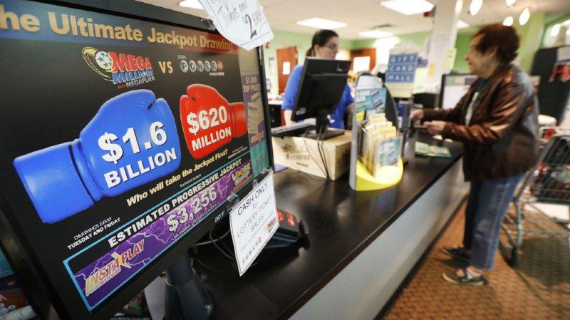 Loterie: un gagnant américain remporte la somme historique de 1,6 milliard au Mega Millions