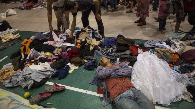 Amérique: une première vague de migrants de la «caravane» à Mexico