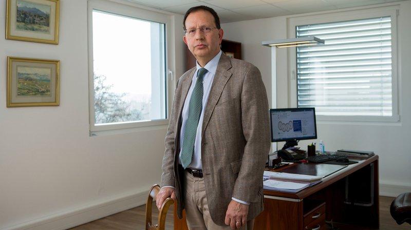 Attaqué par Pierre-Yves Maillard, le directeur de l'Hôpital de Nyon se retrouve devant le juge