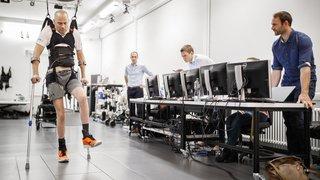 Des paraplégiques remarchent grâce à un système de stimulation électrique développé par l'EPFL