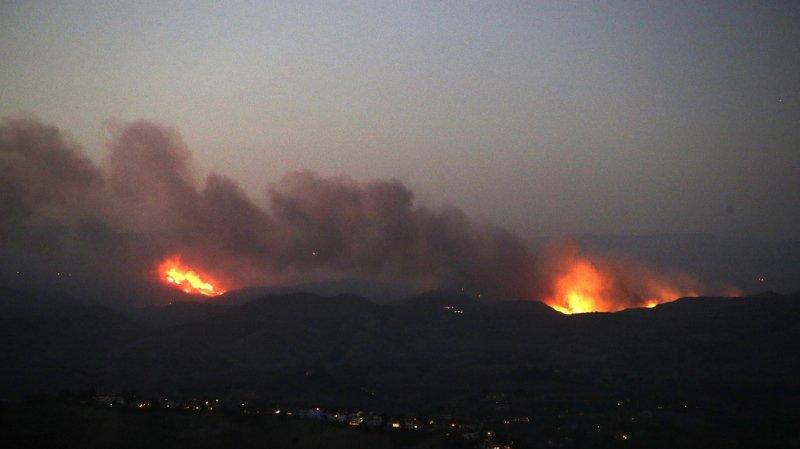 """Incendies en Californie: les fumées du """"Camp fire"""" visibles à New York"""