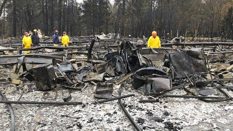 Incendies en Californie: la pluie complique les recherches de victimes
