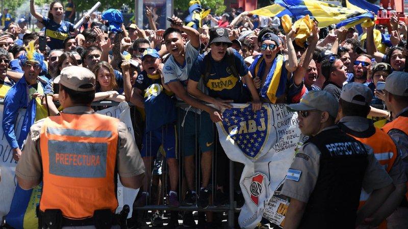 La finale retour de la Copa Libertadores avait dû être reportée samedi en raison de violences survenues avant la match, à Buenos Aires. La rencontre se disputera finalement à Madrid.
