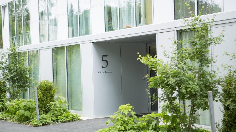 C'est dans ce bâtiment de Nyon qu'un Genevois de 55 ans a péri sous les coups de couteau de sa compagne.