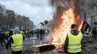 """""""Gilets jaunes"""": la manif dégénère à Paris"""