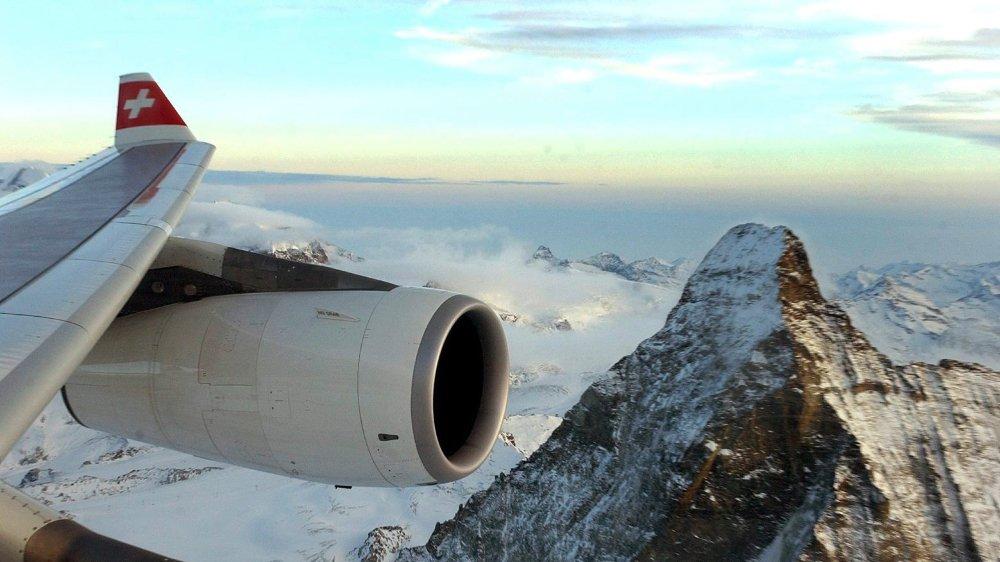 L'idée d'une taxe sur les billets d'avion pour inciter les Suisses à se tourner vers d'autres moyens de transport, moins nocifs pour le climat,  est passée à la trappe pour quelques voix au Conseil national.