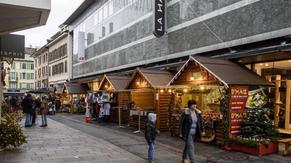 Cette année, les chalets ont aussi pris leurs quartiers dans la rue de la gare.