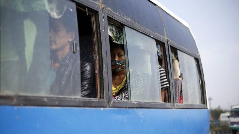 Népal: 23 morts dans un accident de bus scolaire