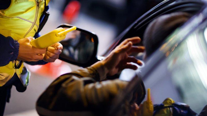 Pendant l'année, la consommation d'alcool est à l'origine de 10% des accidents de la route. Cette proportion passe à 20% à Noël et à 35% à la Saint-Sylvestre et le jour de l'An. (illustration)