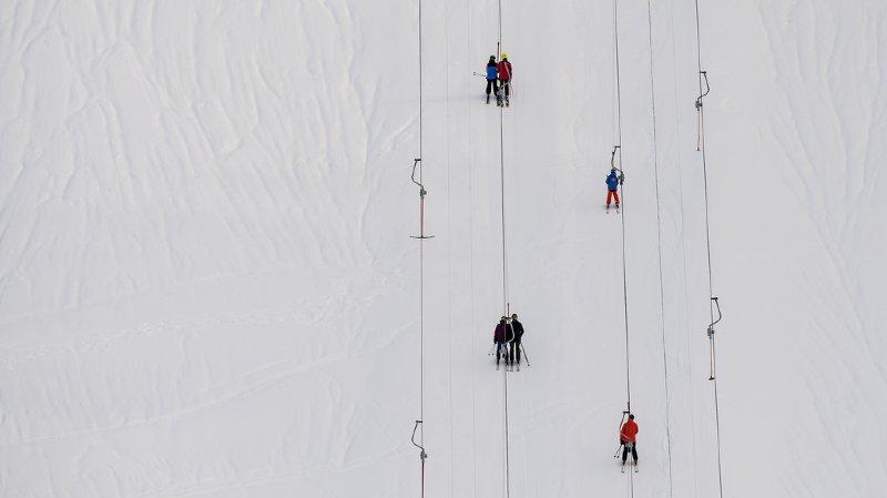 Assurances: les accidents de sports d'hiver coûtent 379 millions par an