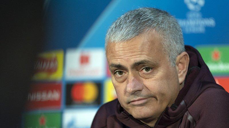 Jose Mourinho quitte ses fonctions avec effet immédiat.