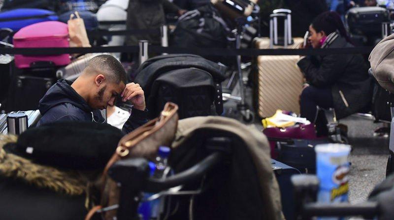 Londres: l'aéroport de Gatwick suspend à nouveau ses activités