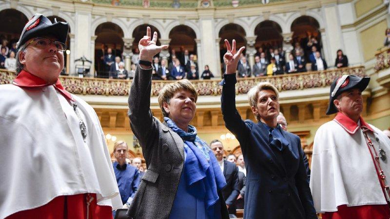 L'année 2018 s'est achevée par une première historique en Suisse, avec l'élection simultanée de deux femmes au gouvernement.