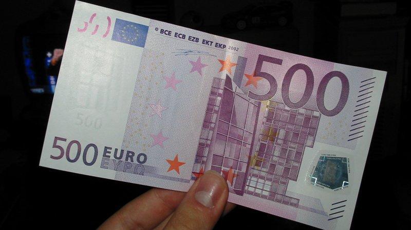 Des dizaines de milliers d'euros ont été abandonnés dans des wc d'établissements publics (illustration).