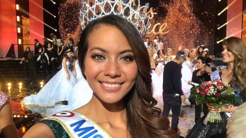 Parmi les trente femmes de 18 à 24 ans qui prétendaient au titre, c'est Miss Tahiti, Vaimalama Chaves, qui a été couronnée.