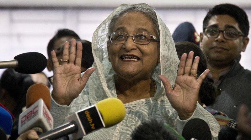 La Première ministre du Bangladesh Sheikh Hasina a remporté les législatives de dimanche, selon des résultats donnés à la télévision. L'opposition les rejette en dénonçant des fraudes, sur fond de violences ayant fait 17 morts.