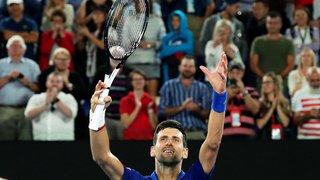 Tennis – Open d'Australie: Djokovic souffre, mais se qualifie pour les quarts de finale
