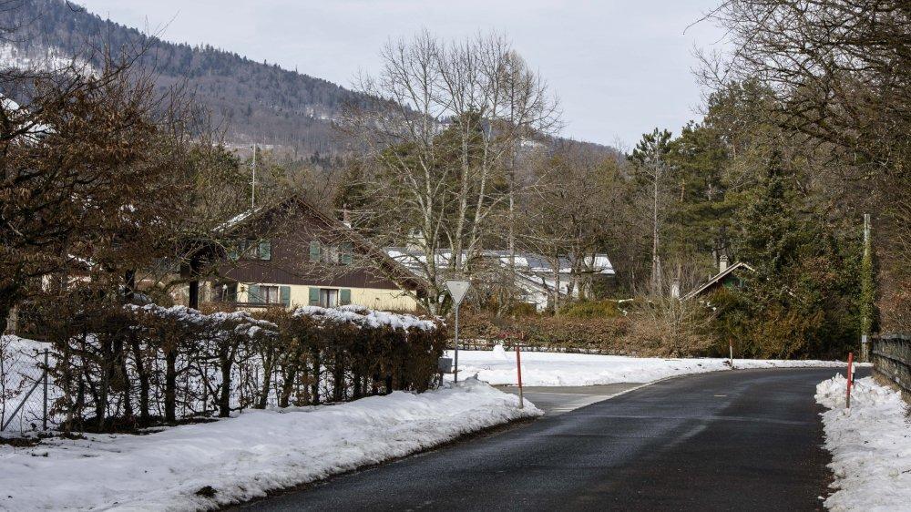 Le chemin reliera le village au quartier des Fruitières, le long de la route de Saint-Cergue, avec sa dizaine d'habitations.