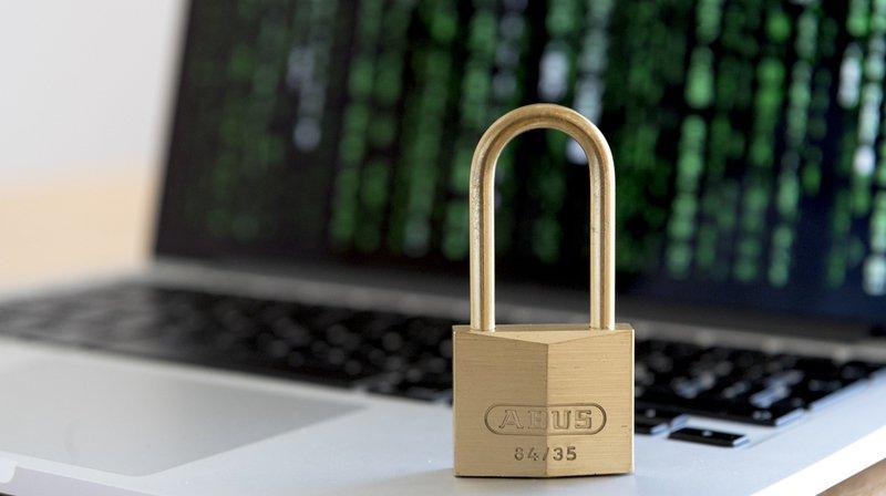 Cybercriminalité: une enquête révèle que les Suisses ne protègent pas assez leur identité numérique