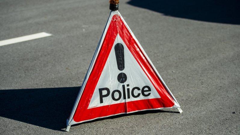 L'autoroute A9 a dû être fermée à Sion vendredi après-midi suite à un accident.