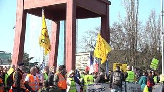 Près d'un millier de gilets jaunes manifestent à Genève dans le calme