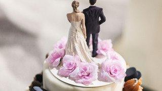 Mariage: vers la réintroduction du double nom de famille?