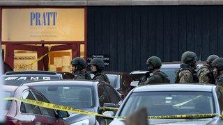 Un employé licencié tue cinq collègues et blesse sept autres personnes près de Chicago