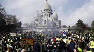 France: l'acte XIX des gilets jaunes amène le calme à Paris et les tensions en région