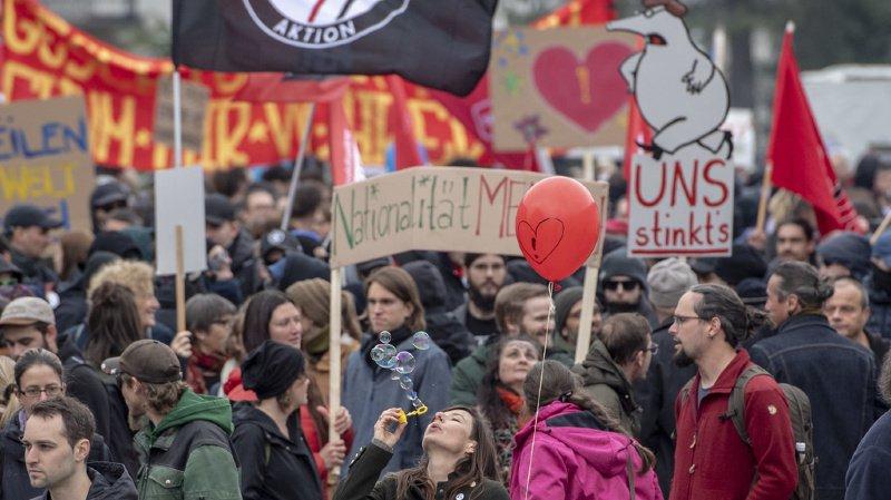 Schwytz: une manifestation dénonce l'utilisation des costumes du Ku Klux Klan à carnaval