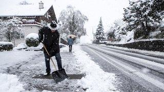 La Suisse s'est réveillée sous la neige