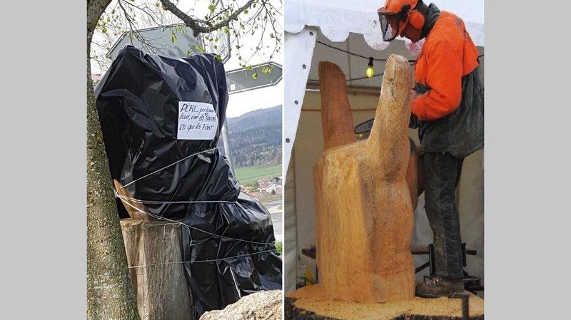 La sculpture taillée pendant le festival unique Long'I'Rock 2010 ne semble pas plaire à tous.