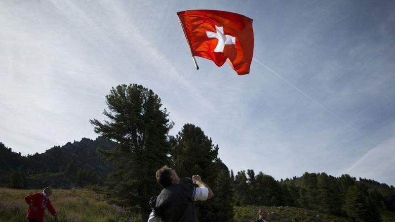 Jeune homme flashé en faisant un sprint, une Landsgemeinde qui intrigue ou du waterslide à 2200 m d'altitude… l'actu suisse vue du reste du monde
