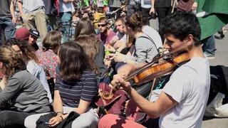 Lausanne: pause de midi sur le Grand-Pont pour le climat