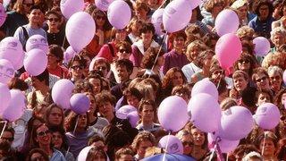 Du fuchsia au violet pour l'égalité