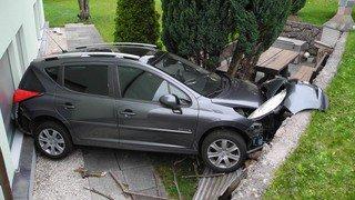 Déclarée volée, une voiture roule toute seule à Goldau (SZ)