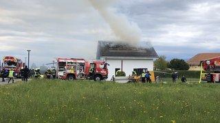 A Chéserex, une maison s'embrase à deux pas du concours cantonal des pompiers