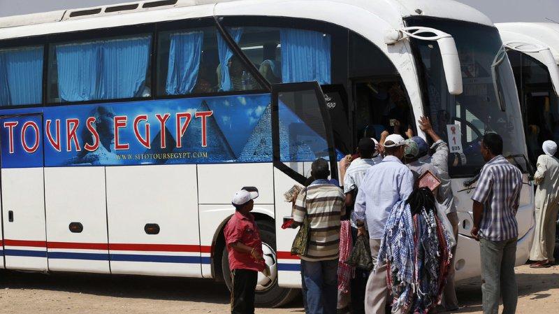 Un engin explosif a détoné au passage de l'autocar de tourisme. (illustration)